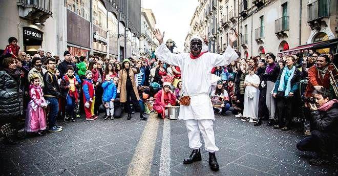 Il Carnevale sociale a Catania come forma di riaggregazione da e per il basso