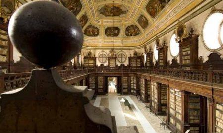 Le Biblioteche riunite Civica e Ursino Recupero in tutta la loro sontuosità