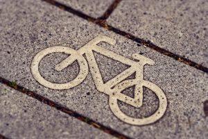 40 km Di Bici: il segno della bici sull'asfalto - Foto: Pixabay