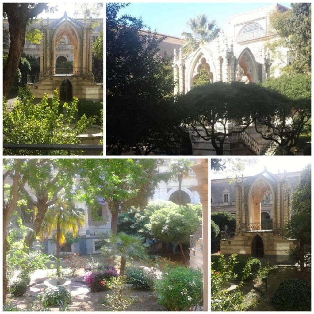 Tra i due chiostri del Monastero dei Benedettini questo è il più particolare per la presenza del giardino e del Caffeaos