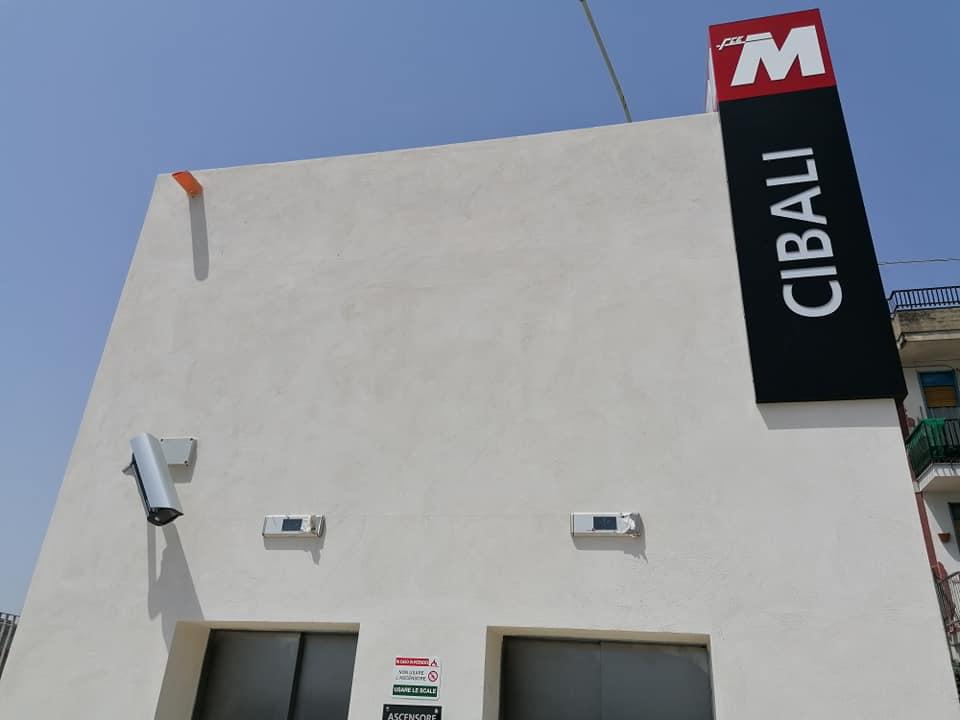 tra le nuove inaugurazioni a Catania c'è anche la stazione metro a Cibali, qui l'ingresso da via Bergamo.