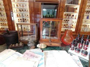 Farmacia De Gaetani vanta anche il titolo di reale farmacia del Regno delle Due Sicilie