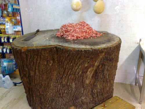 La salsiccia al ceppo di Linguaglossa, Castiglione di Sicilia e Piedimonte Etneo è il cinquantunesimo presidio slow food siciliano