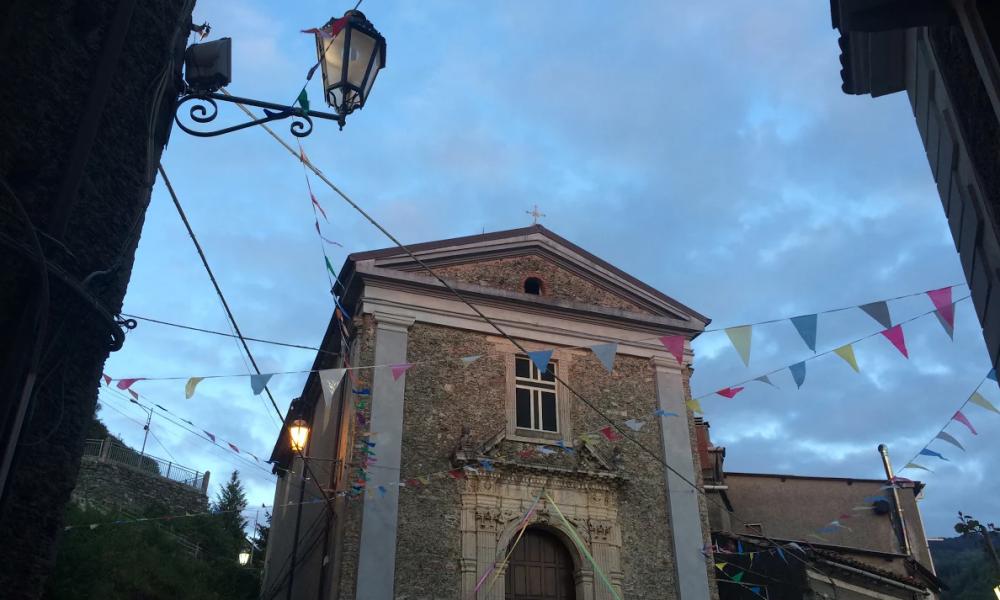 Santa Lucia: facciata della chiesa