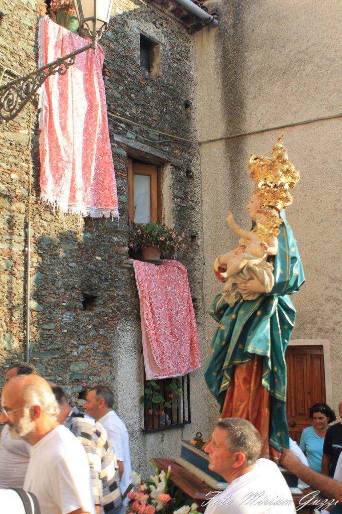 miriam guzzi: processione della Madonna