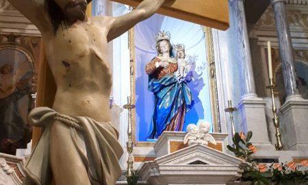 Santuario: la statua della Madonna della Quercia