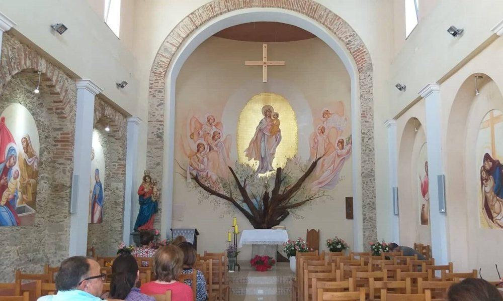 Il luogo prescelto: l'interno della chiesa ristrutturato