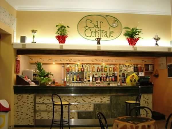 bar storici: l'interno del bar oggi