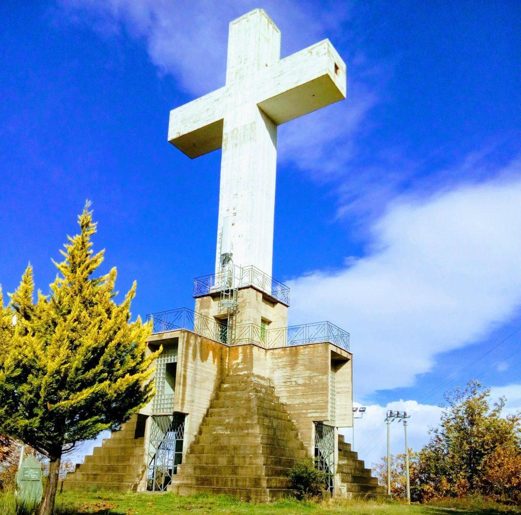 La Croce: il monumento che sovrasta conflenti