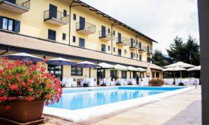 del Riccio hotel: ristorante con piscina