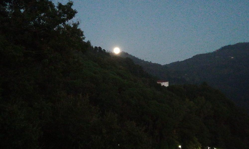 Spunta La Luna Dal Monte....