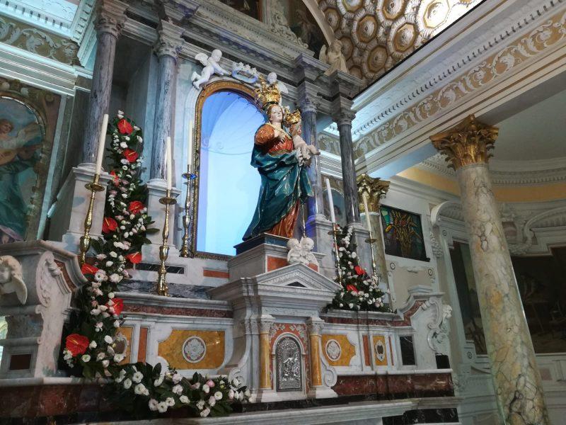 luni a Madonna: la statua della Madonna Conflenti Basilica Ok
