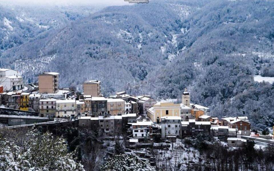 Paesaggio Conflentese Con La Neve