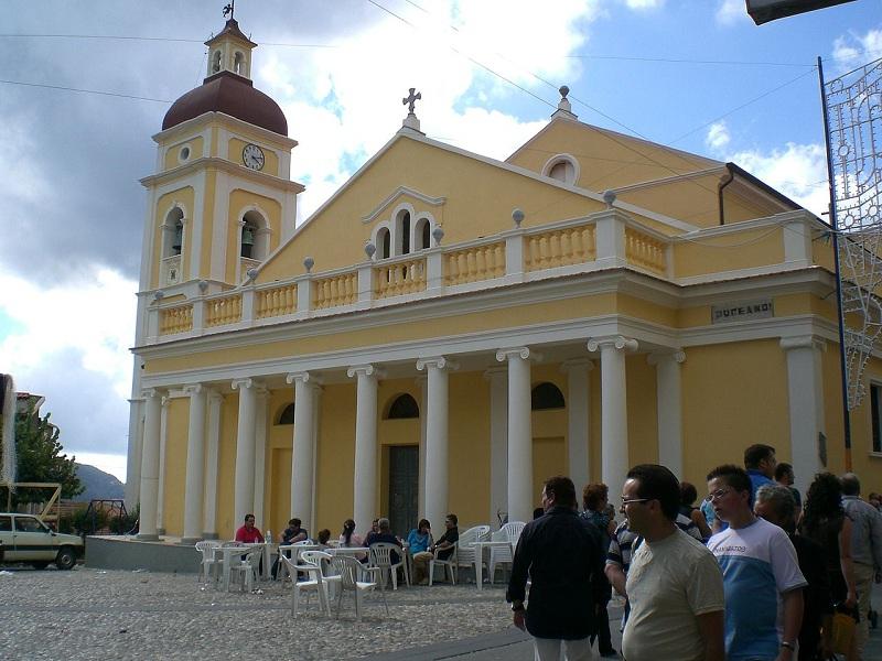 Basilica in piazza Visora.