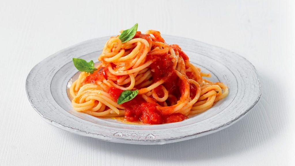 salsa di pomodoro: Spaghetti Al Pomodoro