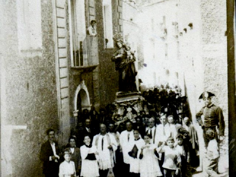 Madonna U Ritu. una processione