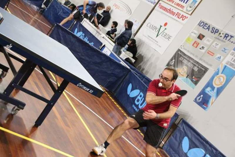 Ping pong: Tonino che gioca