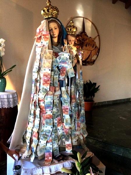 Borgo Ticino: Statua Madonna Della Quercia