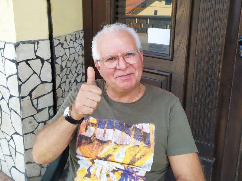 Angelo Mastroianni: una foto mentre saluta