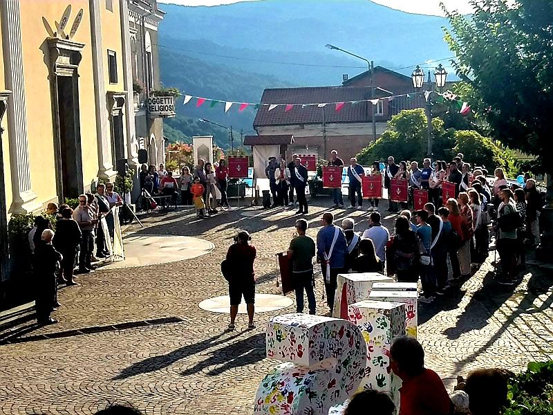 La Manifestazione Sul Sagrato