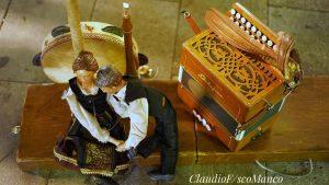 marsiglia: strumenti tradizionali e burattini