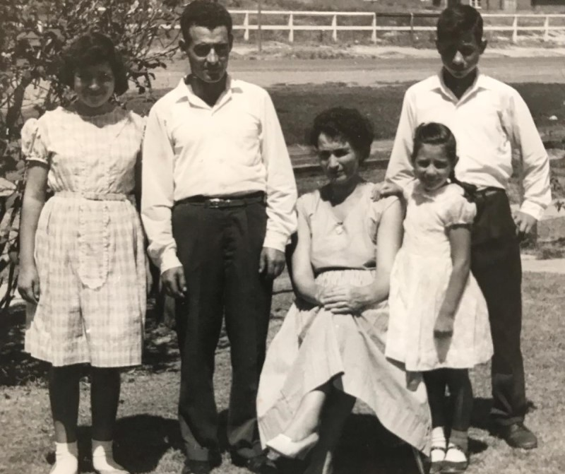 Tony E Famiglia