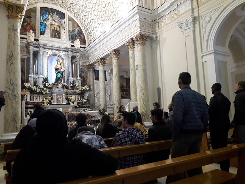 full immersion: l'accoglienza In Chiesa