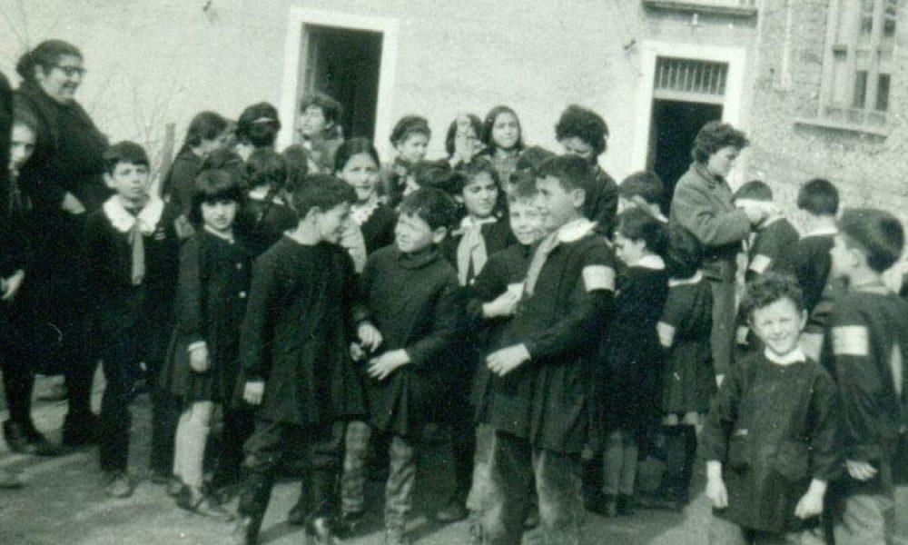 studenti di epoche passate: avanti Scuola