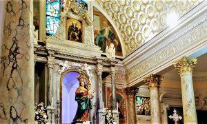 Quadro Divino all'interno della basilica