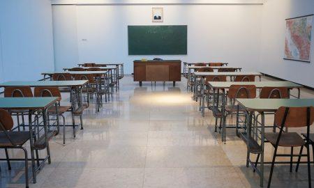 maturati: Banchi Di Scuola