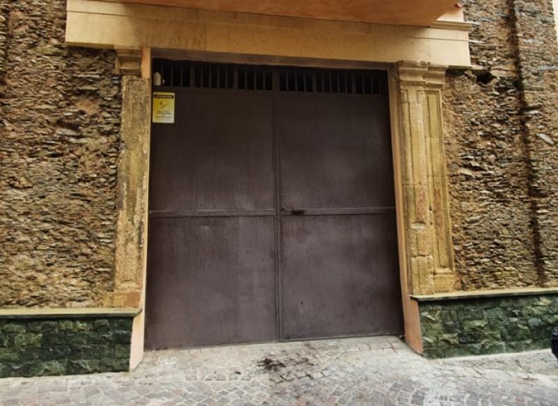 Portone dell'ex Chiesa di San 'Nciuanni