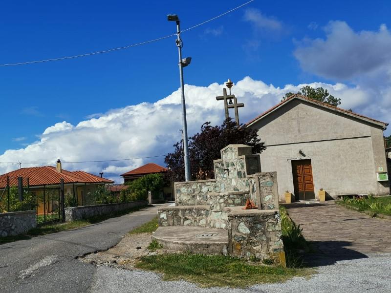 Frazioni: la chiesa di sant'Anna a san Mazzeo