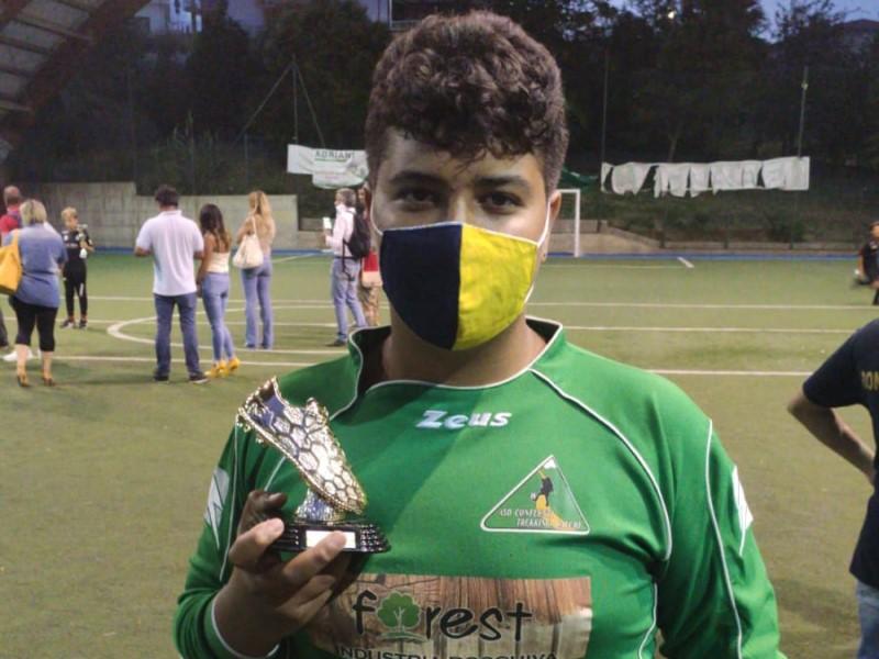 Junior: Samuel con il premio