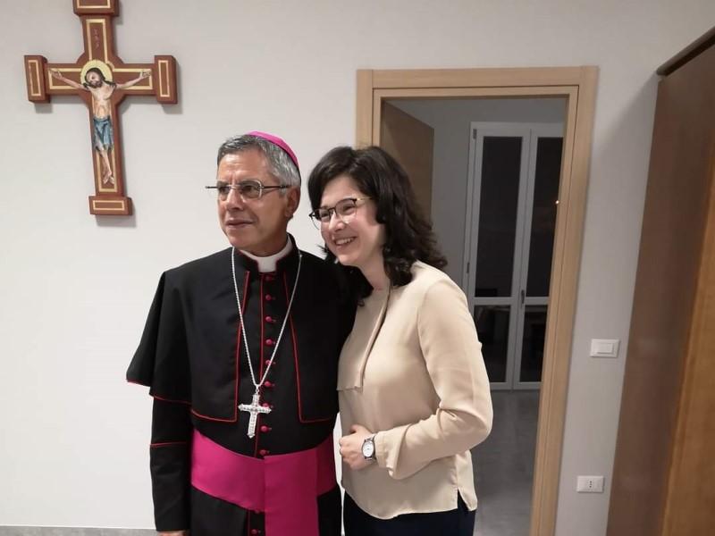 Sabrina E Il Vescovo