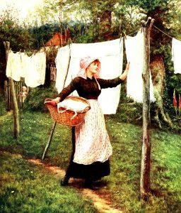 Donna Stende Il Bucato