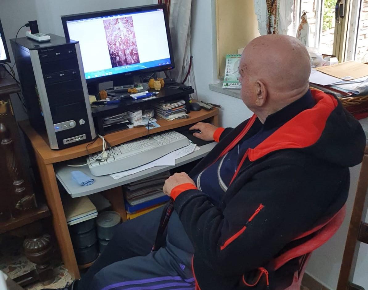 Egidio Baratta Davanti Al Computer