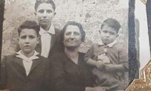 Gaetano Volpe Con La Mamma E I Fratelli