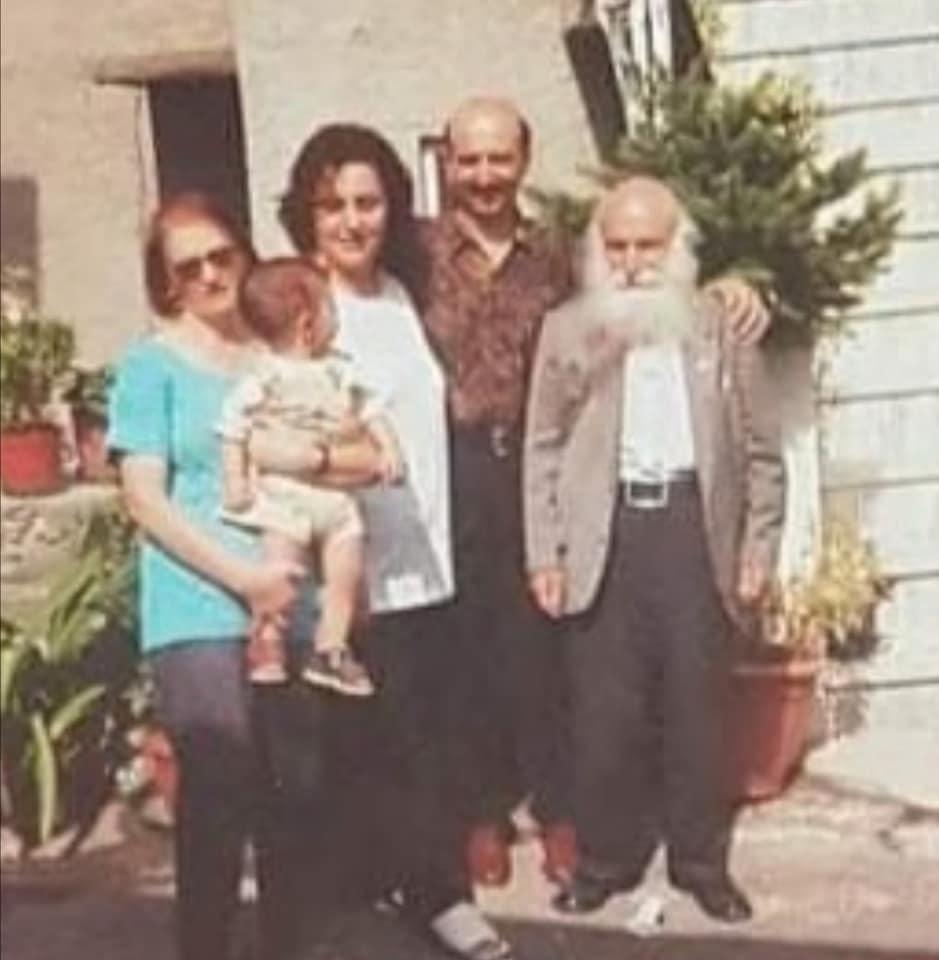 Gaetano Volpe E I Parenti In Italia