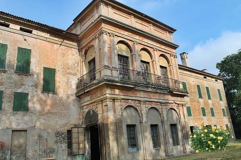 la villa prima dei restauri
