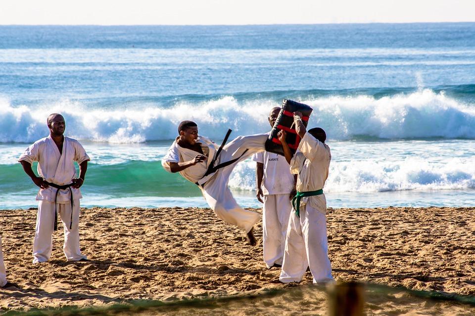 Karate nel Polesine - Karate in riva la mare