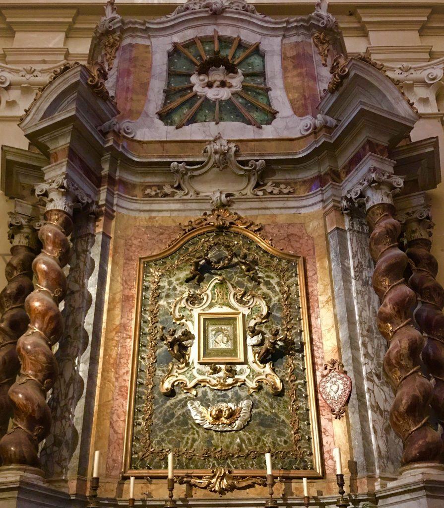 Manifattura raffigurante la Madonna del Consiglio