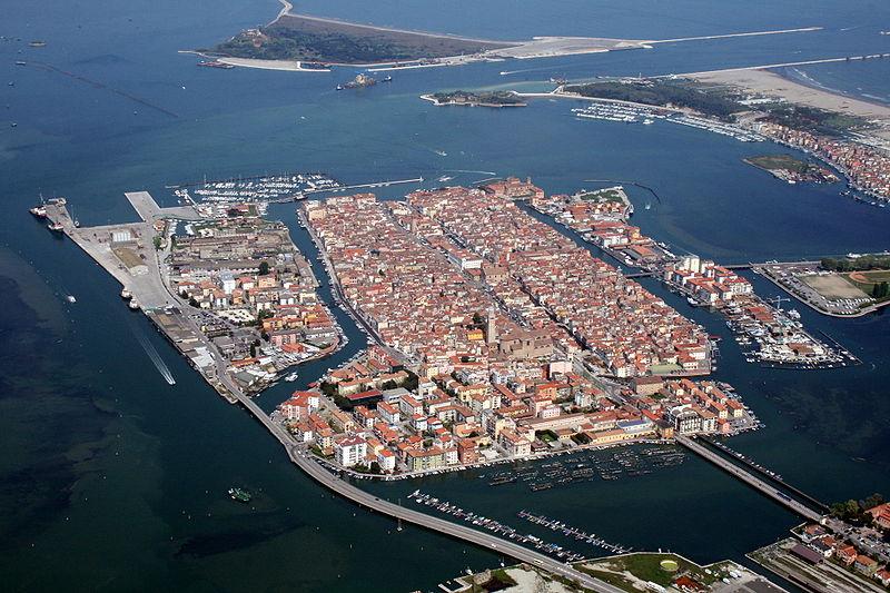 Visitare l'orologio di Chioggia - Chioggia in una veduta aerea