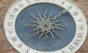 Visitare l'orologio di Chioggia - Orologio più antico del mondo