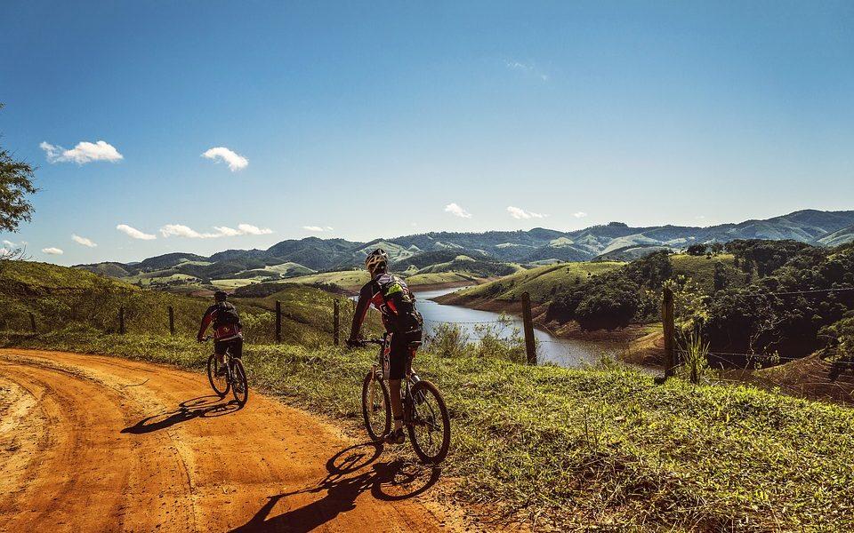 La bici giusta - Biciclette In Gruppo in strada sterrata