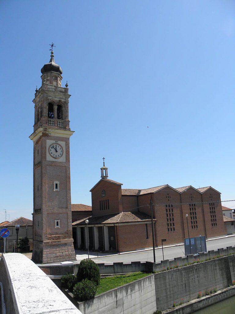 Giacciano con Baruchella - foto della recente chiesa Sant'andrea Apostolo