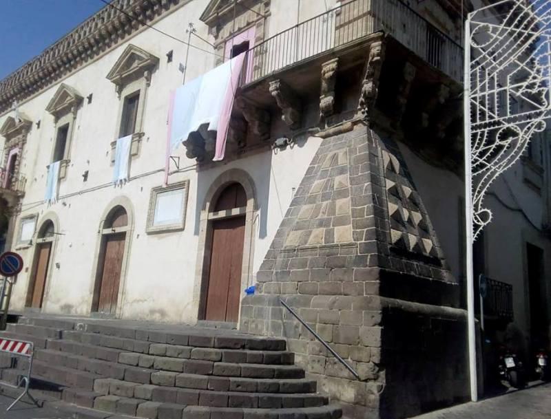 Palazzo Cruyllas