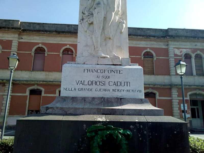 Monumento -dettaglio