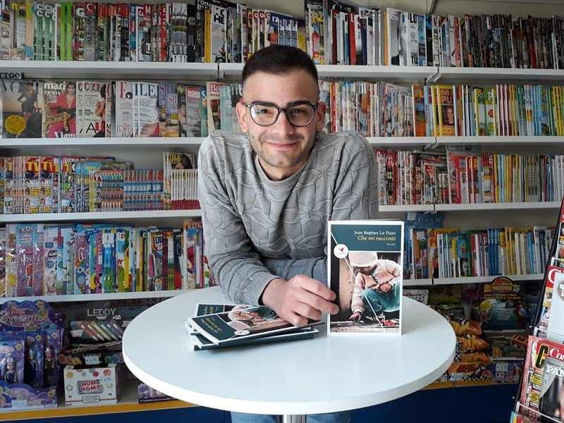 Ivan Lo Pizzo Con Libro