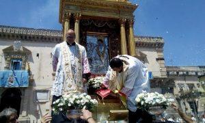 Madonna Della Neve Festa In Piazza Garibaldi
