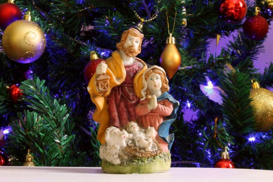 Natale Statua Maria E Giuseppe